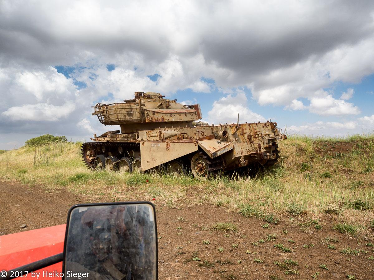 Israeli tank near Syrian border